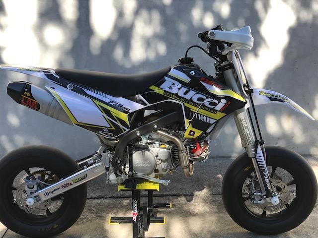 pit bike bucci moto pit bike and mini gp on sale. Black Bedroom Furniture Sets. Home Design Ideas